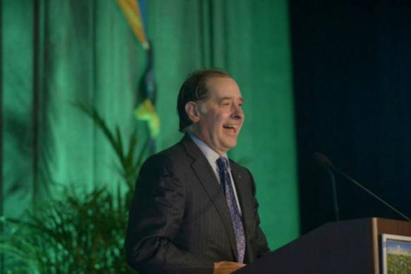 Commissioner Charlie Zelle of Minnesota Department of Transportation speaking at the opening plenary