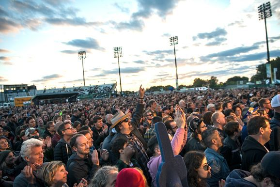 The crowd for the Replacements at Midway stadium, photo by Nate Ryan, MPR